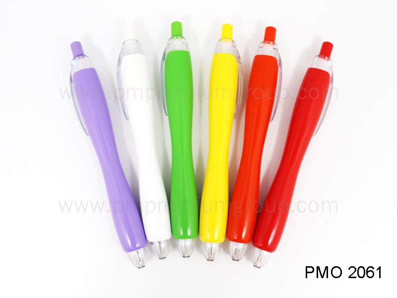 ปากกาลูกลื่นหมึกน้ำมัน PMO 2061